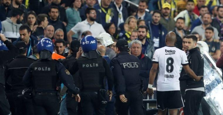 Turkse topper escaleert volledig: rood Pepe, bekogelde trainer naar het ziekenhuis