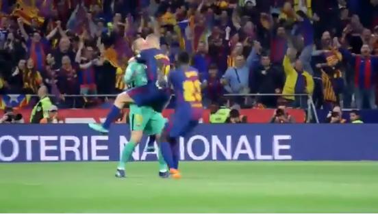 Cillessen gaat viral: spelers bespringen uitzinnige doelman na voorassist