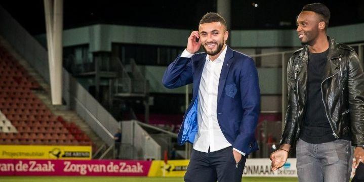 LIVE-discussie: Ajax-aanwinst Labyad op de bank in heenwedstrijd tegen Vitesse