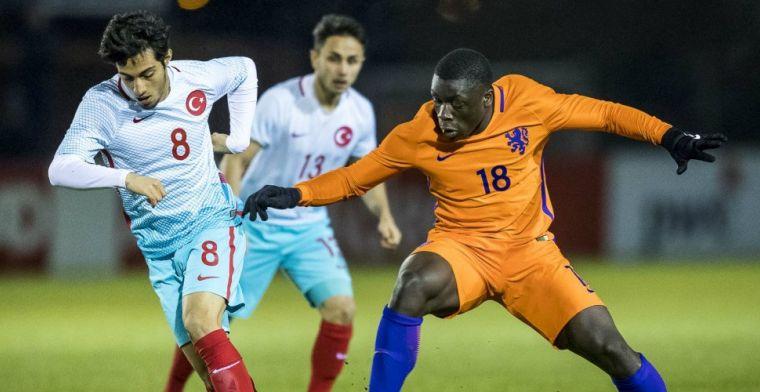 'Nieuwe Lukaku' van Ajax: 'Over twee jaar hoop ik in het eerste te spelen'