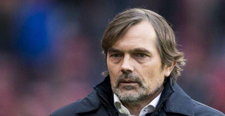 Cocu trots op PSV-collectief: 'Oh, daar staan er twee. Halen we erbij. Huppakee'