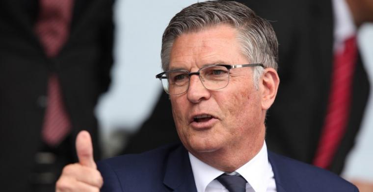 Van Geel deelt Feyenoord-contract uit: We geven hem de kans