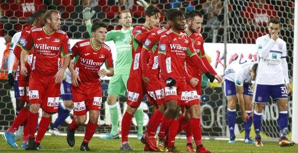 Het kan ook omgekeerd: 'Oostende gaat voor Anderlecht-speler'
