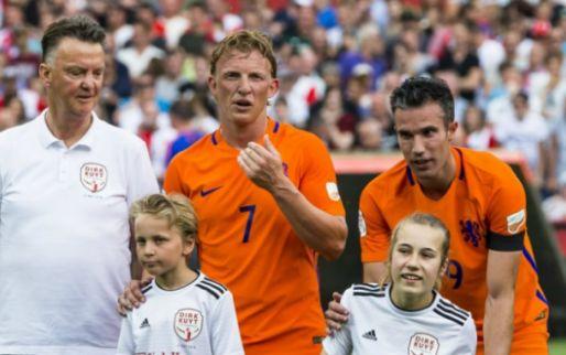 """Van Gaal geeft weer hint over terugkeer: """"Dat weet je over twee maanden"""""""