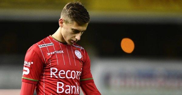 'Belgische club doet zaken met Benfica, transfer van aanvaller op til'
