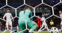 Imagen: Kepa sale en defensa de De Gea tras sus fallos ante Portugal