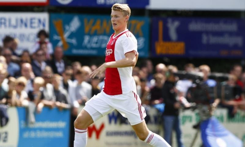 Afbeelding: 'Ik ben heel goed opgevangen door Ajax. Het bevalt me gewoon prima'