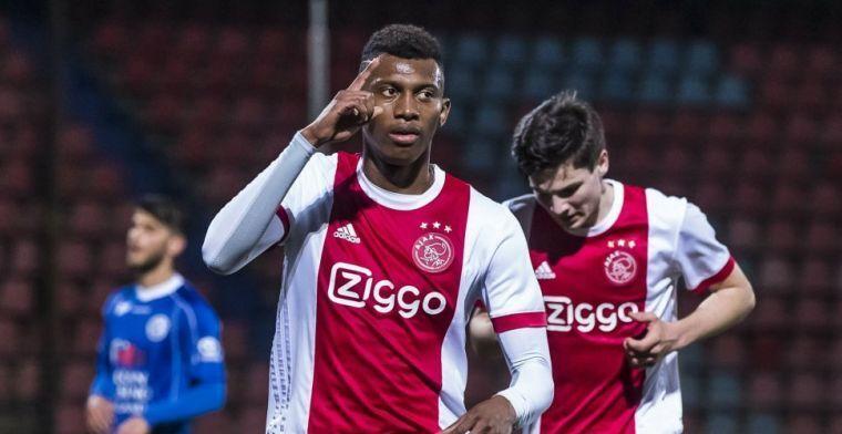 'Ik herinner me dat we thuis tegen Ajax speelden en dat Sierhuis inviel, niet hij'