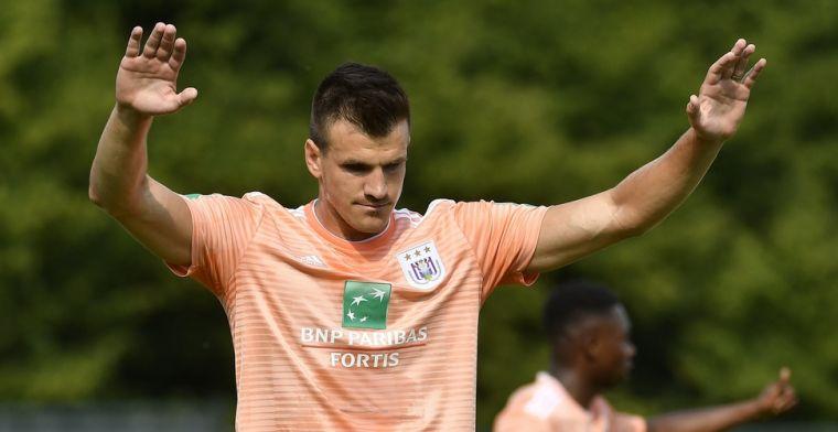 Uitblinker Santini helpt Anderlecht aan makkelijke overwinning tegen Ajax