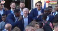 """Afbeelding: Pogba zingt voor Kante tijdens huldiging: """"He shut down Lionel Messi"""""""