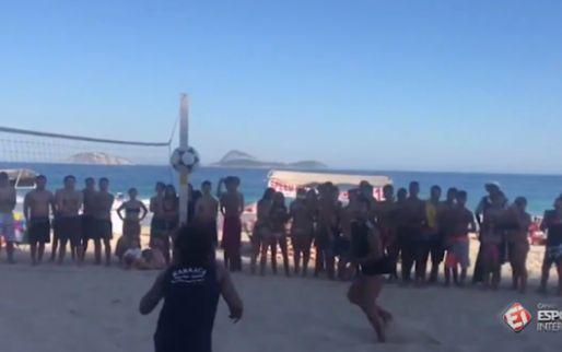 Imagen: VÍDEO | Marcelo disfruta en las playas de Brasil jugando a futvolley