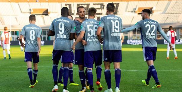 'Anderlecht opent het seizoen met een opmerkelijke basisploeg'