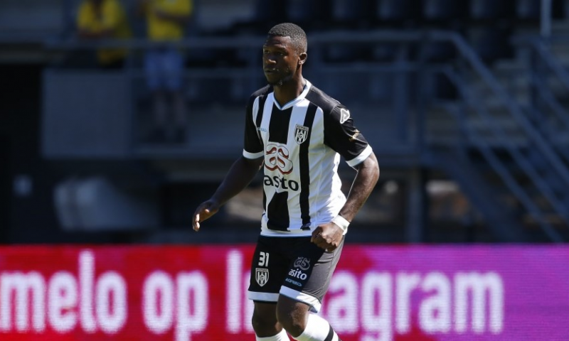 Afbeelding: Sama (25) tekent in Eredivisie: