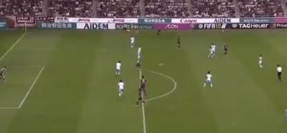 Afbeelding: Fenomenale eerste goal Iniesta in Japan: aanname achter het standbeen