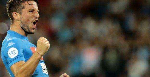'Domper voor Mertens: nieuwe coach verwijst Rode Duivel naar de bank'
