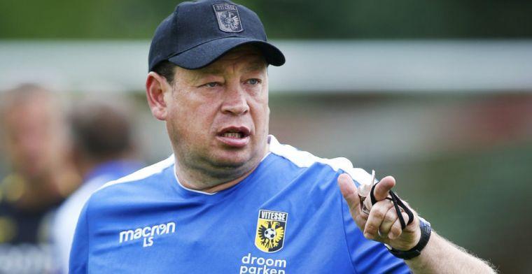 Slutsky weet wat Vitesse te doen staat: 'Op dat punt heeft Basel ons geslacht'