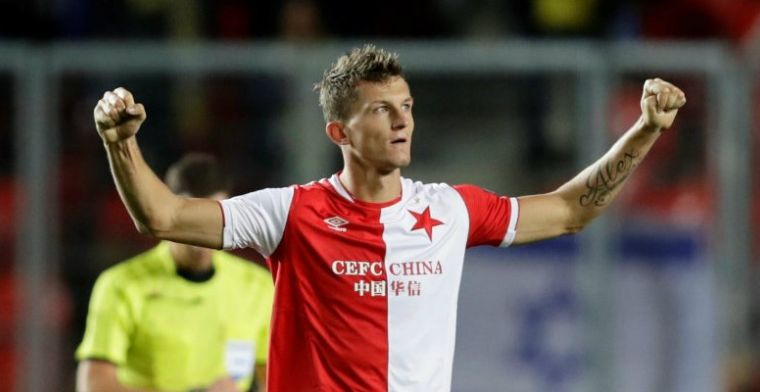 Witte rook uit Den Haag: Necid vastgelegd als opvolger van goalgetter Johnsen