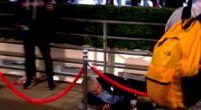 Imagen: VÍDEO   El aparatoso percance de Mourinho al entrar en Wembley