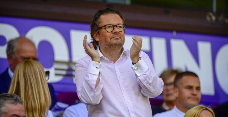 Anderlecht-supporters richten vizier op Coucke: 'Middelmaat, hopeloos zwakke kern'