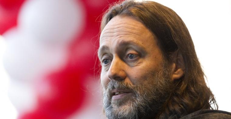 Borst looft 'uit de dood herrezen' Ten Hag en 'brugpiepertje' Van Bommel