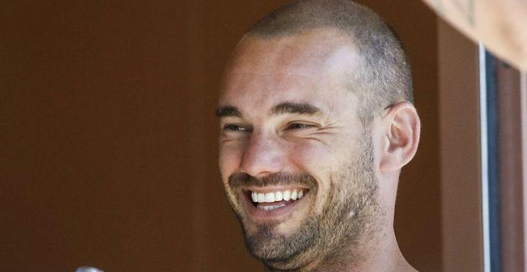 Sneijder gewond na auto-ongeluk: 'Wensen hem sterkte met zijn herstel'
