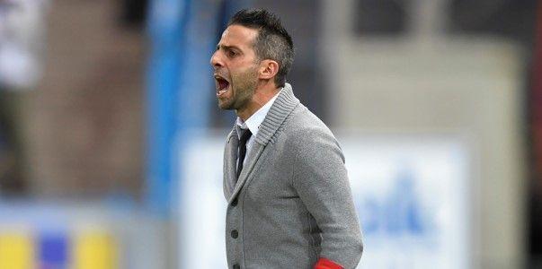 Ferrera stoort zich aan cultuur: ''Lot van een coach in dit land''