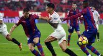 Imagen: OFICIAL | Los onces de Sevilla y Levante en el Ciutat de València