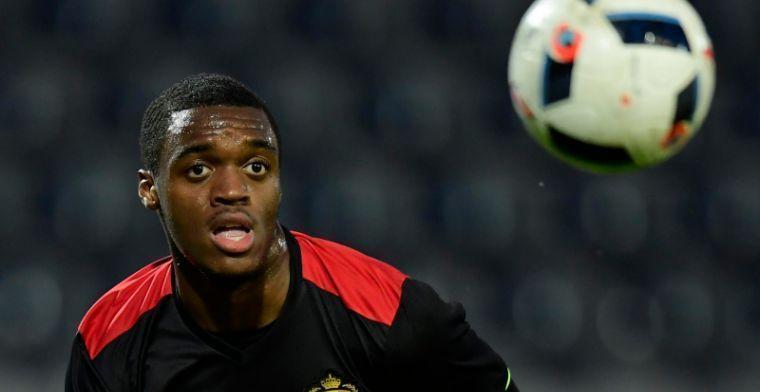 Belgische spits onthult: Anderlecht en Standard hebben geïnformeerd