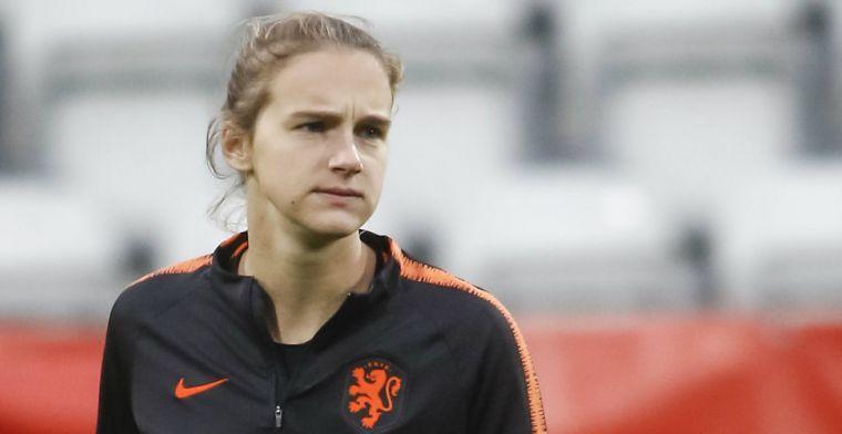 'Ophef bij Oranje Leeuwinnen: chagrijnige Miedema wordt weggehouden bij de pers'