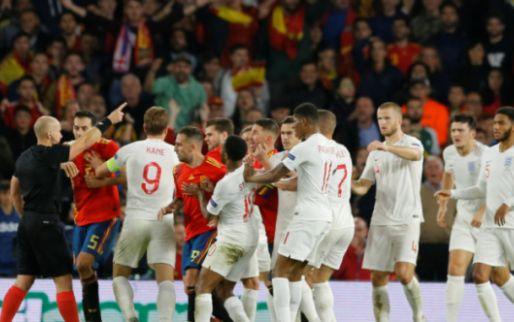 Afbeelding: Engeland verbijstert Spanje in eigen huis: Sterling scoort weer na drie jaar