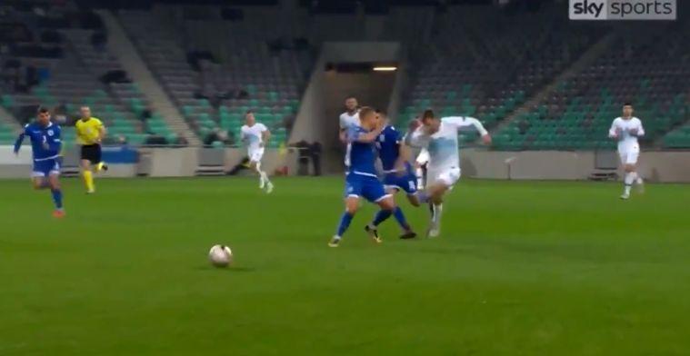 Bizarre rode kaart in Nations League: Cyprioot heeft enkel oog voor tegenstander