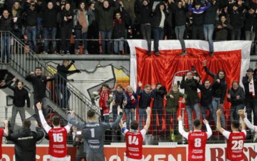 Afbeelding: MVV-fans wéér niet welkom: 'Afspraak over 'provocerende' vlag geschonden'