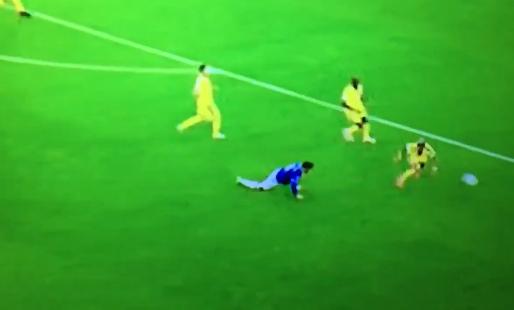 Brands ziet Everton-debutant Gomes over eigen benen struikelen