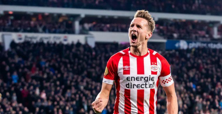 De Jong breekt de ban en helpt PSV aan zege tegen tiental Vitesse