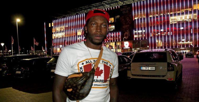 Mbokani laat zich uit over fluitende supporters: Ik kijk enkel naar Antwerp
