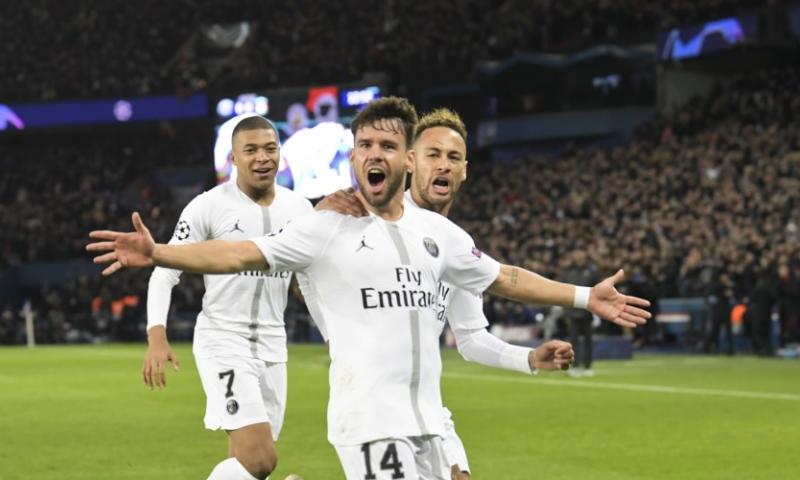 Afbeelding: Groep C: Uitschakeling dreigt voor Liverpool na nederlaag in Parijs
