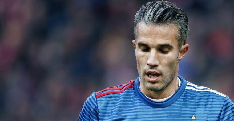 Van Persie traint volledig mee, verdediger eerder naar binnen richting 'PSV'