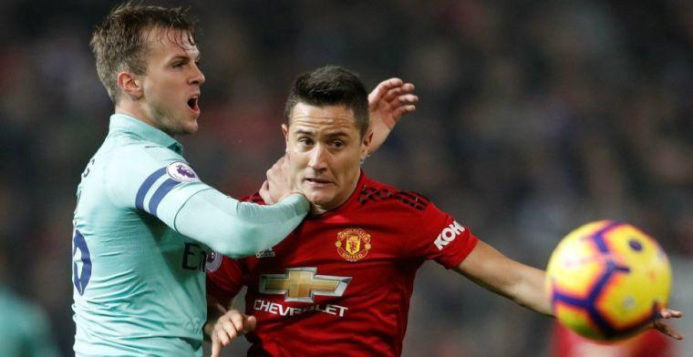 Manchester United-fans slaan terug naar supporters Arsenal met Van Persie-lied