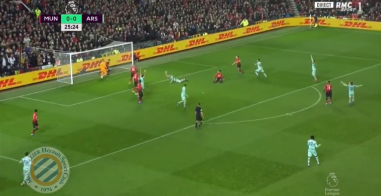 Dat zien we niet vaak: blunder De Gea leidt tot doelpunt Arsenal