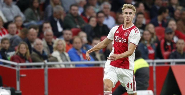 Ten Hag nam Ajax-talent niet mee op trainingskamp: 'Dat was een teleurstelling'