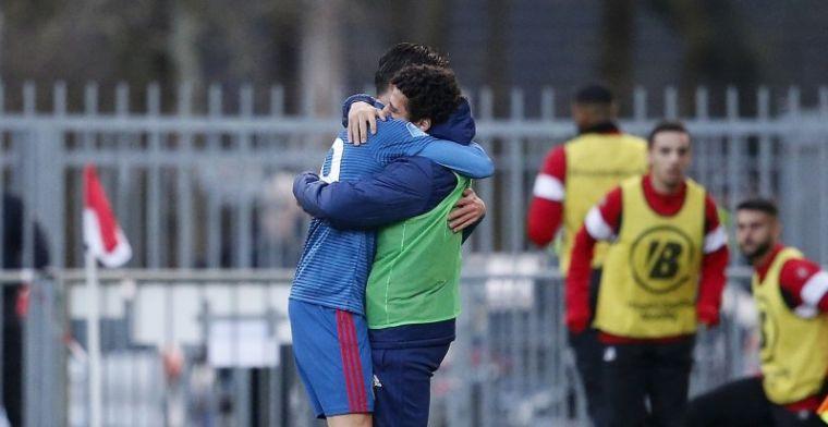 Debutant Kökcü (17) houdt Feyenoord-duo op de bank: 'Dat is heel pijnlijk hoor'