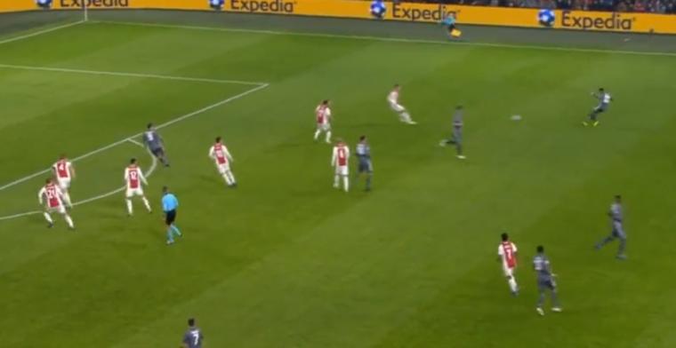 GOAL! Ajax-defensie staat te slapen, Lewandowski straft het meteen af