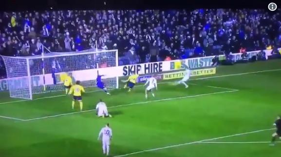 Waanzinnige comeback van Leeds United: 1-2, 2-2 én 3-2 in de blessuretijd