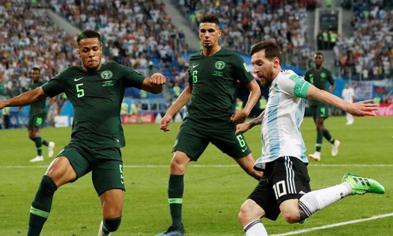 Afbeelding: Troost-Ekong  (ex-KAA Gent): 'Higuain huilde, Messi vocht tegen zijn tranen'
