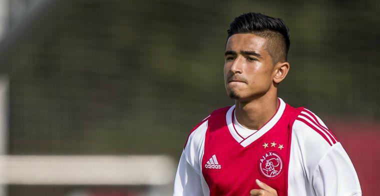 Vijftienjarige Ajacied gelinkt aan transfer: 'Laat ik aan m'n vader en neef over'