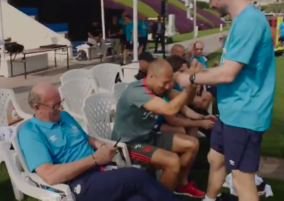WK-finale-reunië: Robben, Sneijder én De Jong bezoeken training PSV