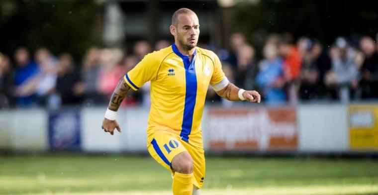 Sneijder beloont amateurs met trainingskamp Qatar: 'Polonaise in de kleedkamer'