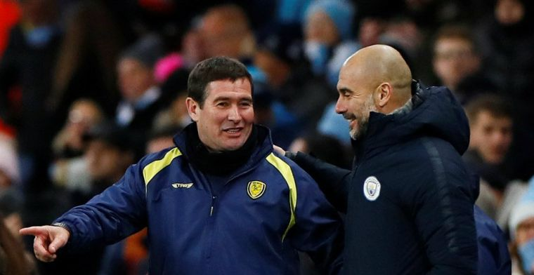 Guardiola biedt manager glas wijn aan na 9-0: 'Hoop dat hij meer dan glas heeft'
