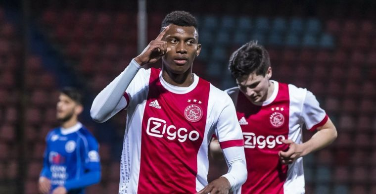 'Ajax wil Cassierra verkopen, verhuur bespreekbaar aan eind van transferperiode'