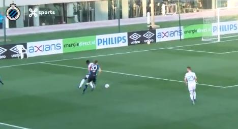 Magie bij Club Brugge: Vanaken rolt PSV-defensie op met solo en scoort